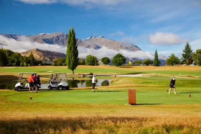 南岛高尔夫,皇后镇高尔夫,皇后镇定制高尔夫,密尔布鲁克度假村高尔夫